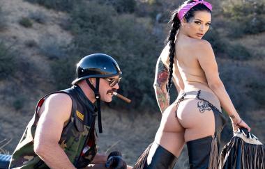 Katrina Jade – 3. Rad (ToughLoveX)